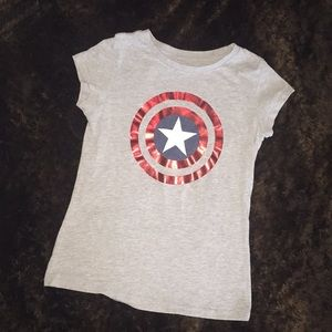 Girls capped sleeve LG 10/12 Captain America tee